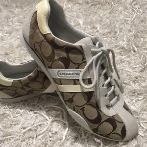 Coach Shoes Size 8🏸🏸🏸⛳️⛳️⛳️